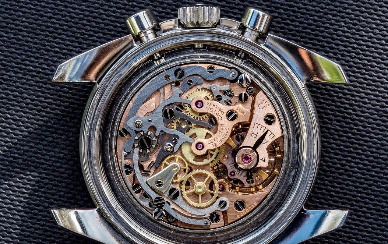 reloj omega analógico de cuerda